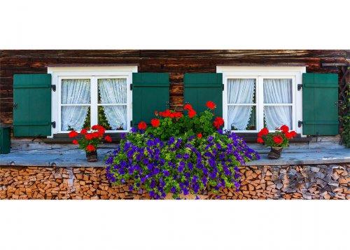 Bauernhaus mit Geranien in Oberstdorf, Schwaben, Bayern, Deutschland