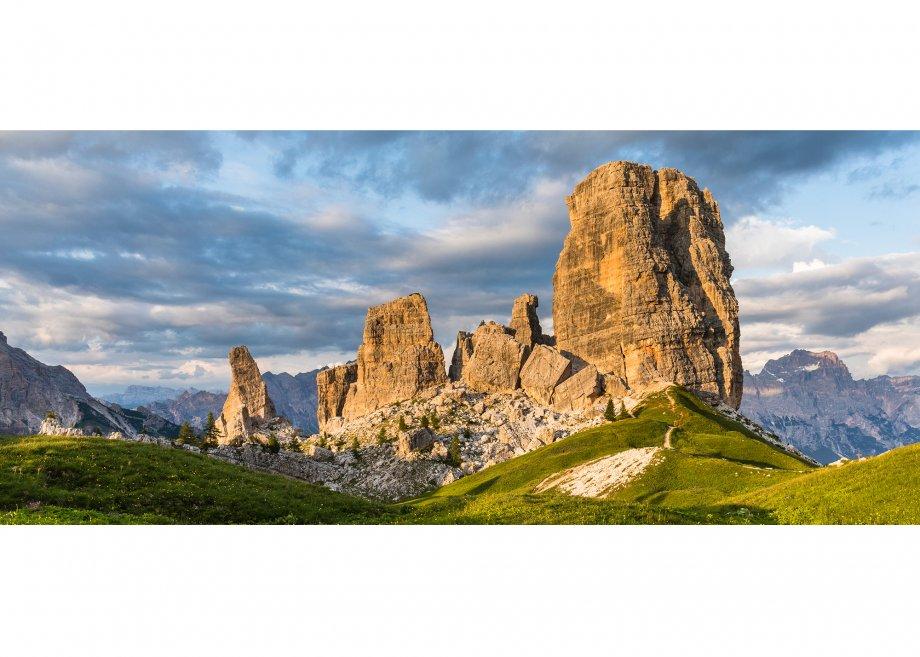 Cinque Torri (2361m), Cortina d'Ampezzo, Provinz Belluno, Venetien, Italien Cortina d'Ampezzo, Cadore, Provinz Belluno, Alpen, Dolomiten, Venetien, Veneto, Italien,